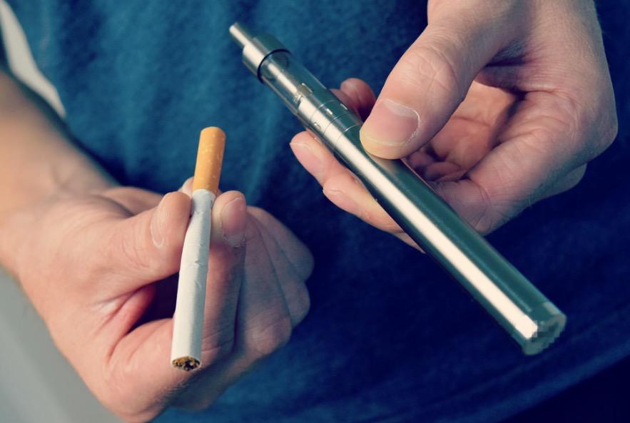 vozdei-stvie-kantserogenov-snizhaetsya-pri-perehode-na-elektronnye-sigarety