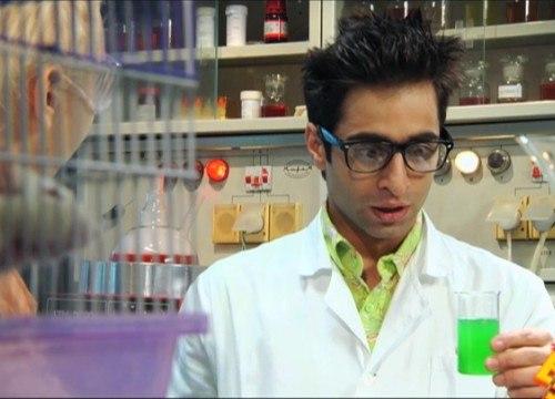 химик и колбы