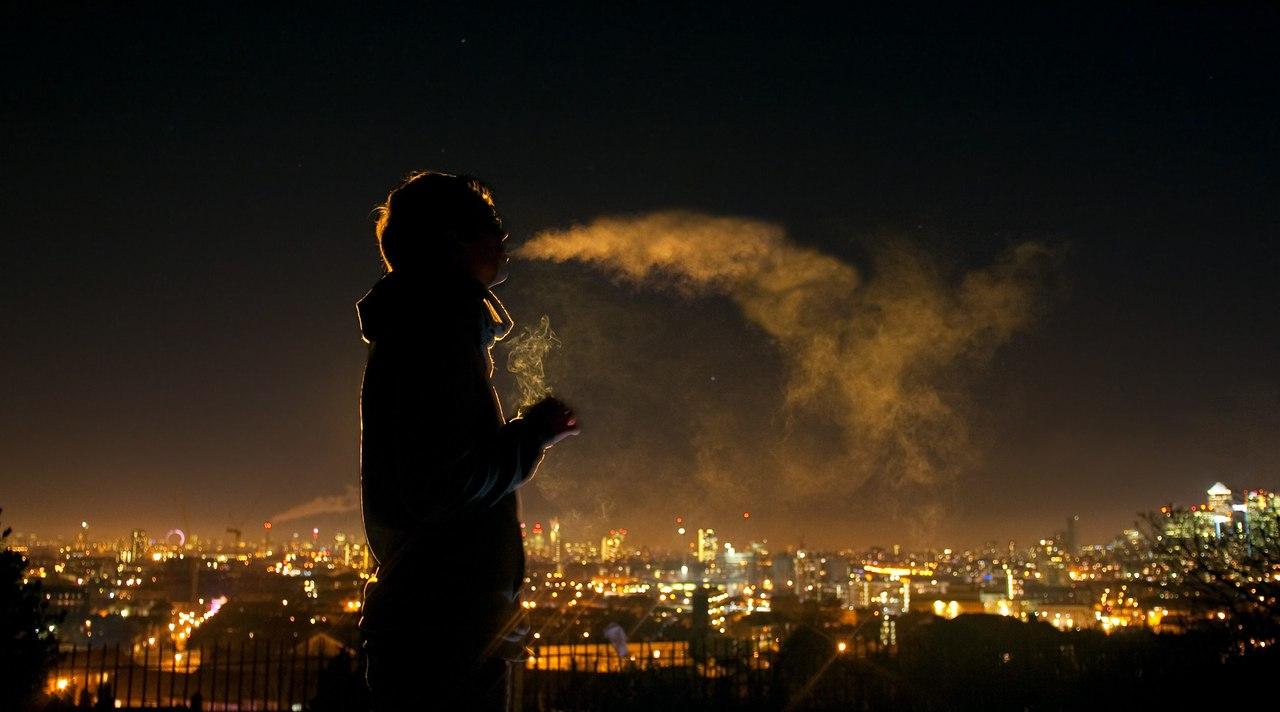вейпер в ночи